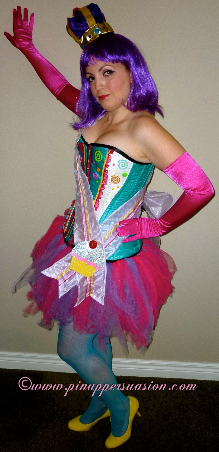 The Final Reveal ~ Sweet DIY Retro Cupcake Corset Costume ...