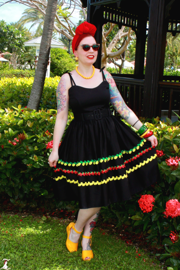 d417f7f124e Of course my natural instinct was to play up the bold tropical colours in  the fruity print when accessorizing Jade Fruity Swing Dress.